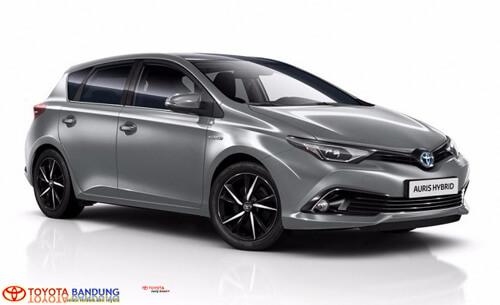 2018-Toyota-Auris-1
