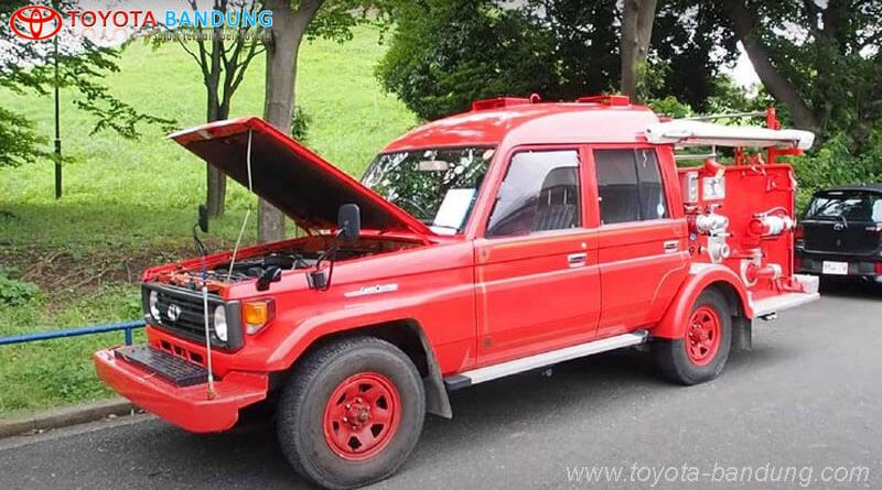 Toyota Land Cruiser di Sulap Jadi Mobil Damkar