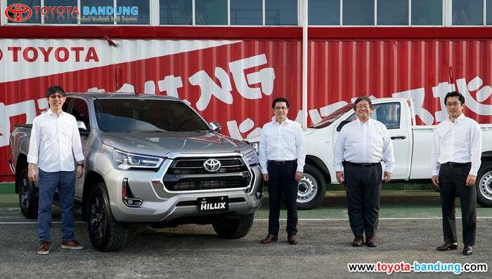 Resmi New Toyota Hilux Hadir di Indonesia